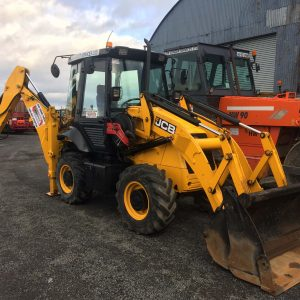JCB 2CX Streetmaster for hire - www.lowloader.ie